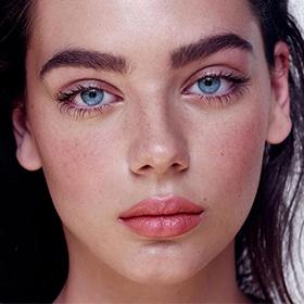 10 основных ошибок при уходе за кожей вокруг глаз